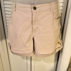 Code Bleu beige jean shorts with embroidery sz 16
